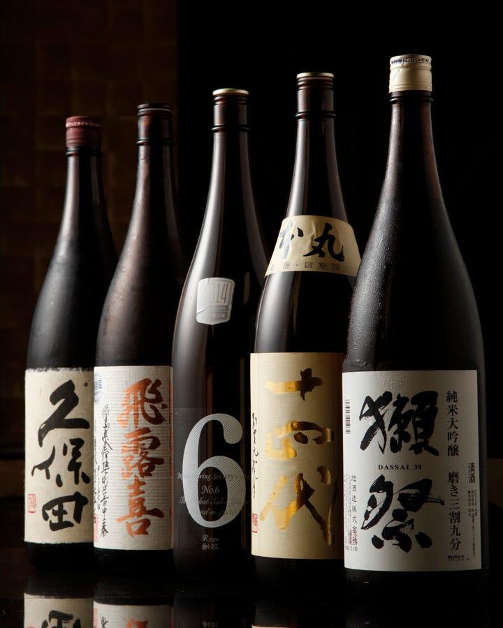 全国から仕入れる70種の日本酒!
