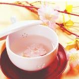 お祝いのお席には桜湯をご用意いたします!