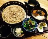 カツ玉丼せいろ蕎麦定食!