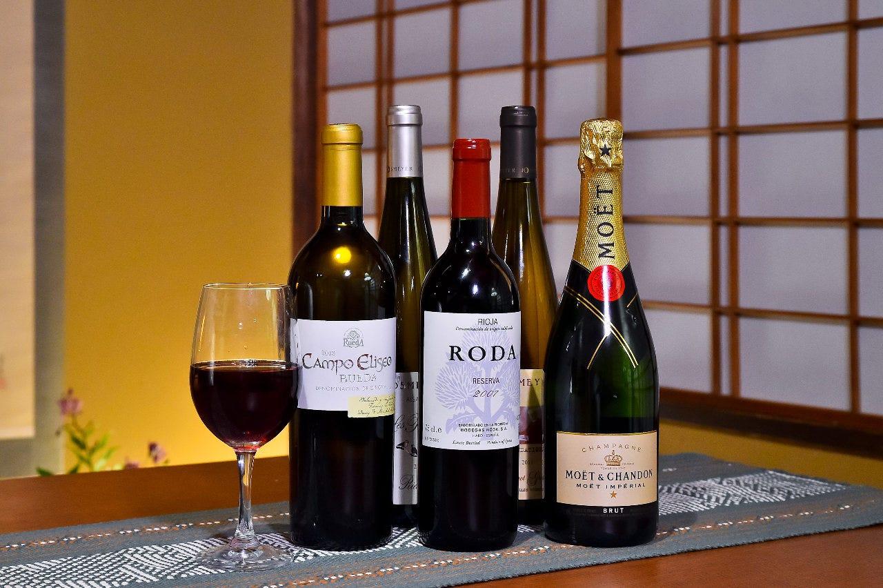 肉料理と合う厳選されたワインも取り揃えております。