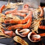 もんじゃやお好み焼きとご一緒に、人気の海鮮焼きを。