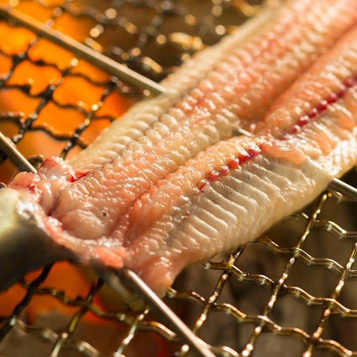 自慢の備長炭火焼料理!旬の魚を♪