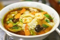 国産鶏スープの長江五目麺