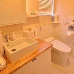 アメニティ充実のいつもきれいなトイレです♪
