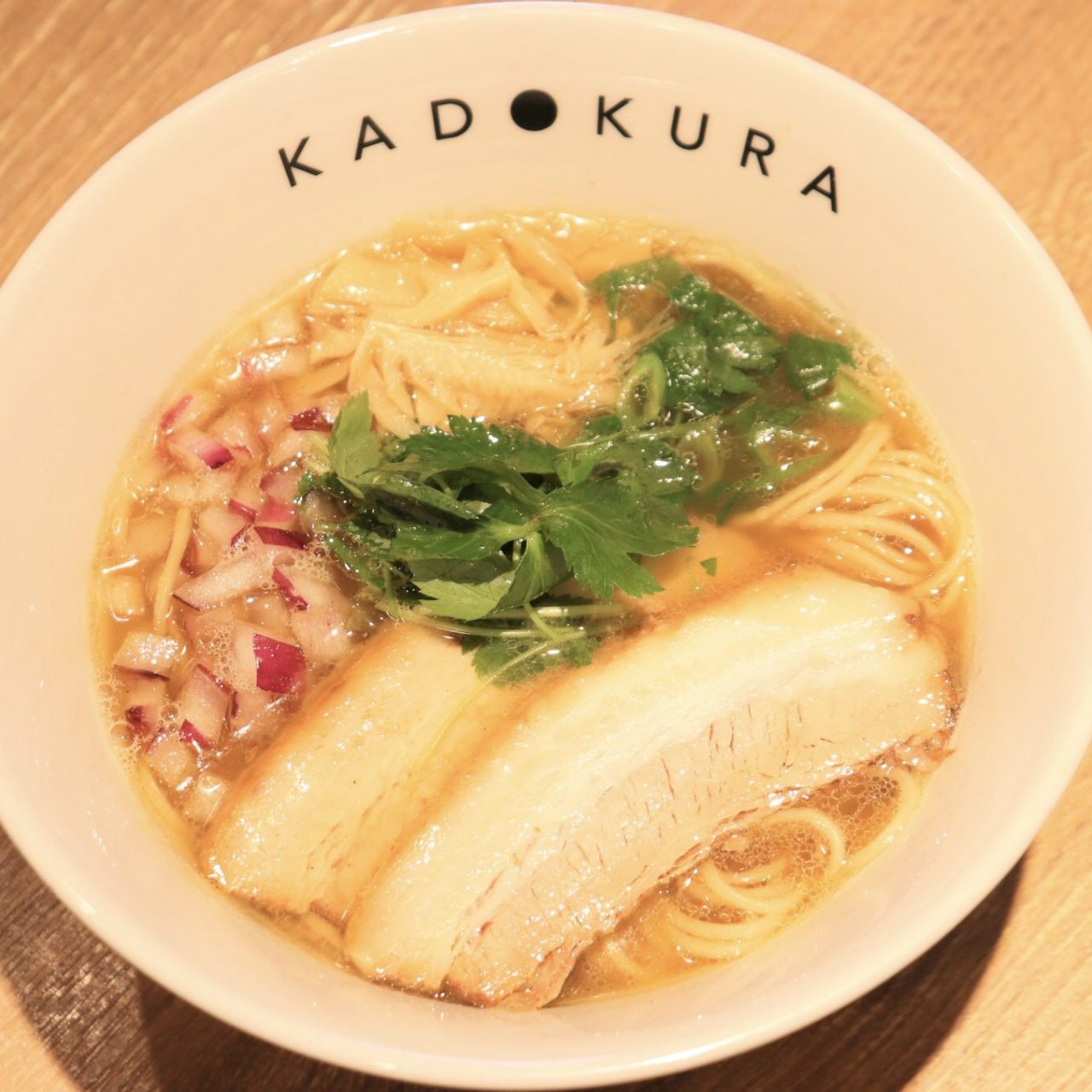 魚だしと鶏スープのWスープを使用。