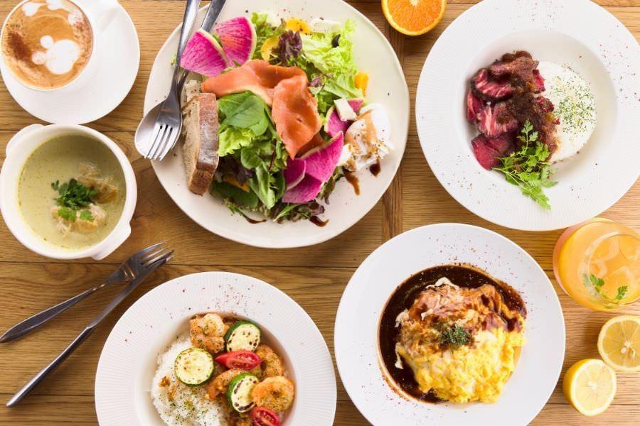 食前&食後の2ドリンク&サラダ盛り+選べるデザート付き♪カジュアルランチセット