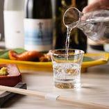 全国から取り寄せた日本酒や世界各国のワインなど豊富なドリンク
