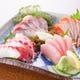 当日仕入れる沖縄近海で採れた刺身は絶品!