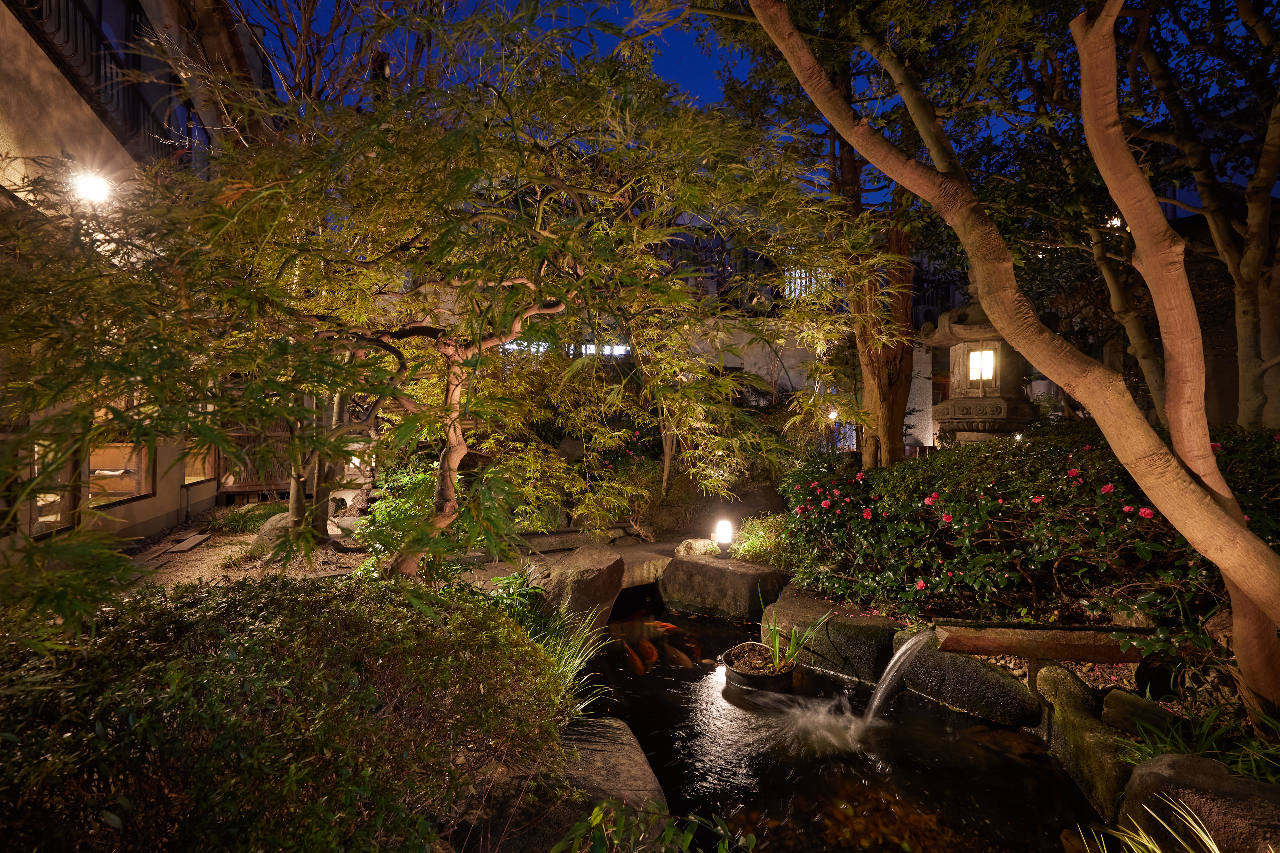 今宵も日本庭園と共に…