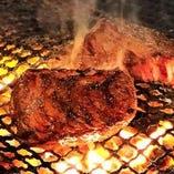 炭火焼熟成肉のタリアータ!旨味溢れる自慢のお肉をご堪能下さい