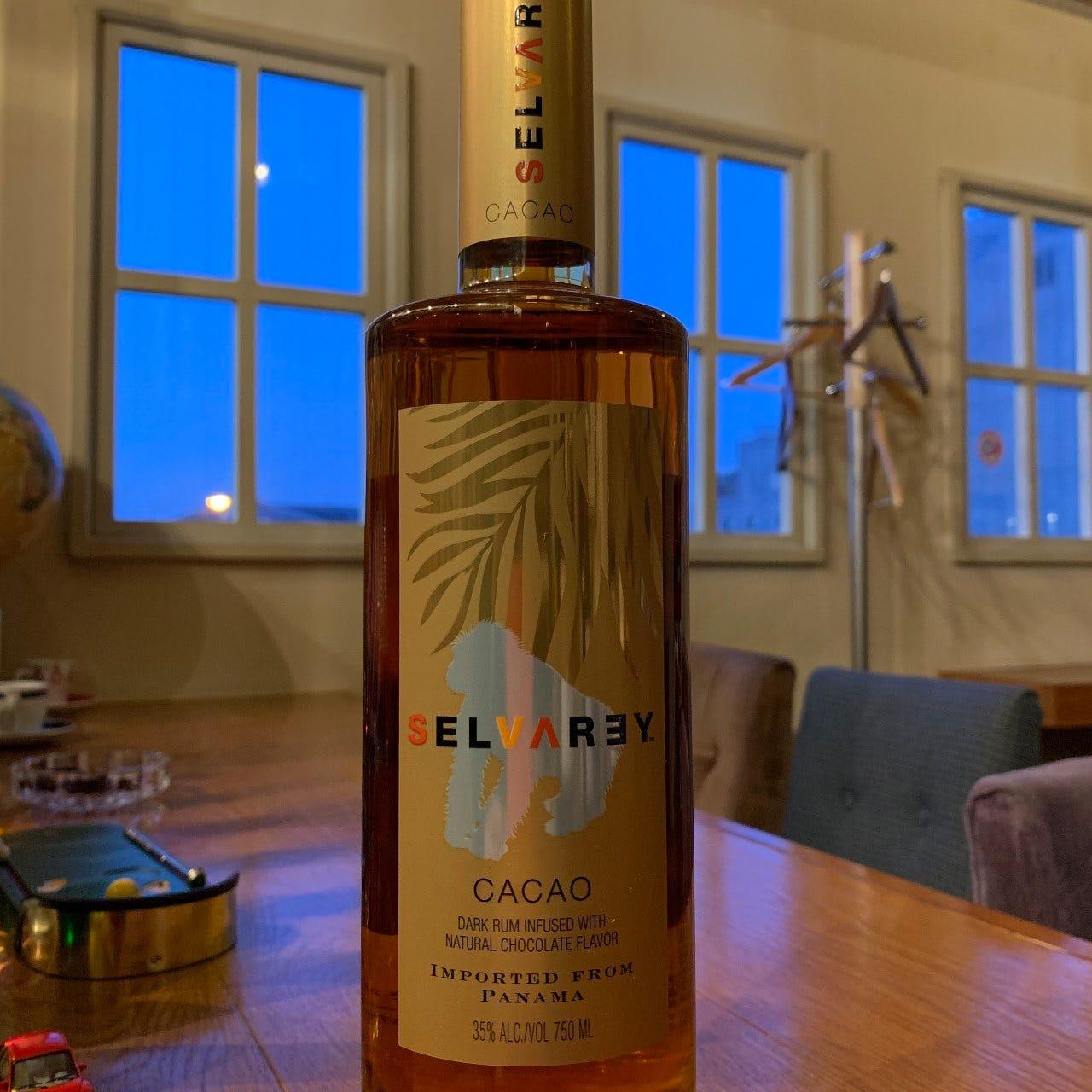 日本全国はもちろん海外のお客様が教えてくれた珍しいお酒も