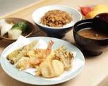 厳選された旬の食材を使用。 季節を感じながらご堪能ください。