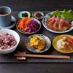 食堂カフェ potto×タニタカフェ 吹田紫金山公園店