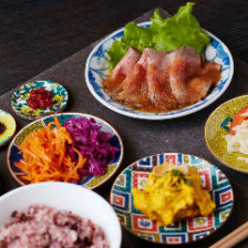 「一汁六菜 PLATE」1290円