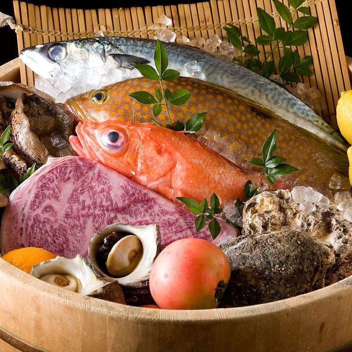 産地と新鮮さにこだわり抜いて厳選 素材を濃縮した料理の数々