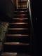 薄暗い階段を登って行くと