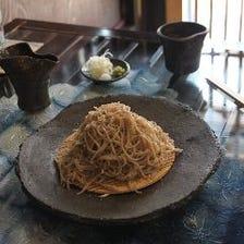 国産素材と技で紡がれる蕎麦