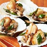 活帆立貝と生うにの挟みバター焼