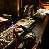 音響・映像・照明設備を完備!本格的なDJ器材も無料で使用OK