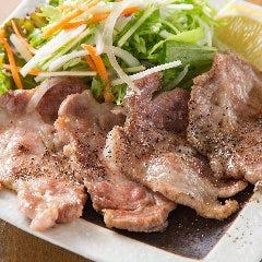イベリコ豚のソテー(3味ソース添え)