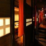 隠れ家的な雰囲気の店内