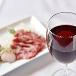 馬肉に赤ワイン