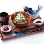 〈鯖寿司〉 〆に人気の棒寿司★