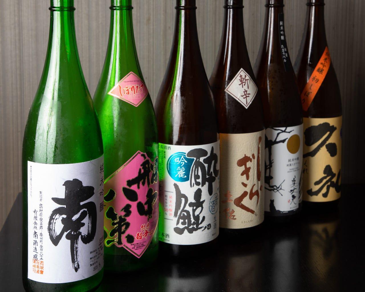 高知の地酒の他にも全国の日本酒を取り揃えております!