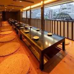 最大32名まで一つのテーブルでご宴会が可能です。