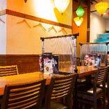 【テーブル席(4名様×11卓)】宴会に◎ゆったりお食事空間