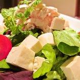 勇払鶏と豆腐のサラダ