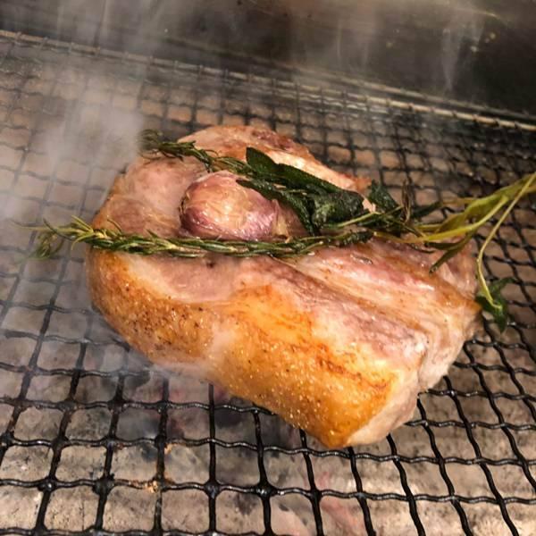 人気の炭火料理です。鎌倉野菜のグリルもおすすめ!