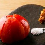 高知から直送された旬のお野菜もシンプルな調理法で素材の味を。