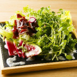 クレソンと鴨砂肝ハムのサラダ。稀少部位の鴨の砂肝の生ハムサラダ。自家製の塩麹ドレッシングで。