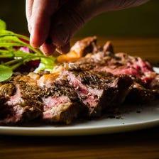豊富なお肉料理
