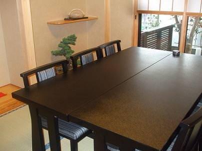 テーブル席・完全個室(壁・扉あり)・8名様まで