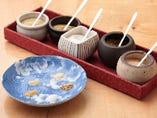 天婦羅の風味を引き立てるのは、季節で変わる5種類の特製塩。