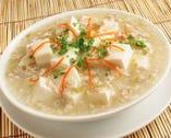 さっぱりした辛さの、【元祖白麻婆豆腐】は手の込んだ逸品!