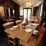 1Fはニューヨークの路地裏にあるイタリアンレストランをイメージ