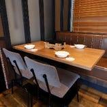 2Fフロアには4名様向けと6名様向けのテーブル席をご用意