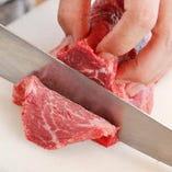 厳選お肉の美味しさはそのままに、セルフ焼肉とすることでお値段半額を目指しました