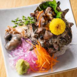 【魚介】 肝まで楽しめる新鮮な磯焼きはサザエや帆立が人気