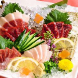 熊本郷土料理も馬刺しもあり
