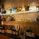 自慢の酒は全160種以上。お好みの酒と自慢の焼鳥をご一緒に。
