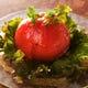 トマトサラダ トマトを丸ごと使用した女性に人気の一品
