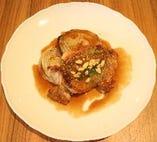 ビュッフェのメイン料理!「若鶏のガーリック焼き」