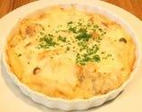 ビュッフェのメイン料理!「チーズたっぷりマカロニグラタン」