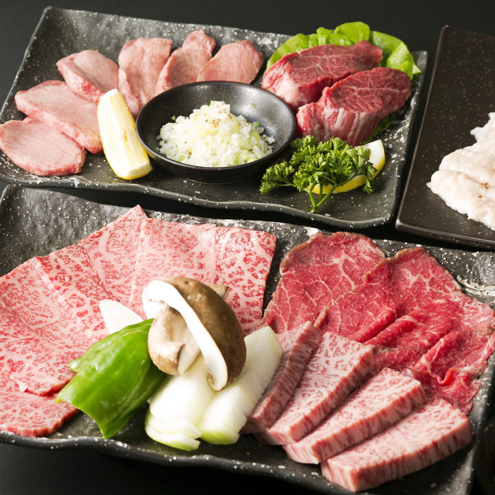 お肉とお野菜がセットになったお得なセットメニューもございます