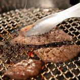 お好きなお肉をお好きな火加減で楽しめる。それが焼肉の真骨頂!