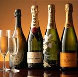 メニューにないシャンパンや白ワインもございます。詳しくはスタッフまでお問い合わせください